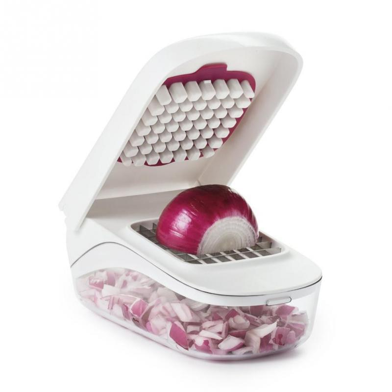 Vegetable Chopper with Easy-Pour Opening