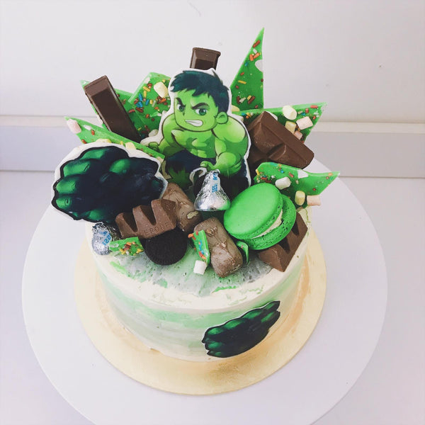 Hulk smash candy cake