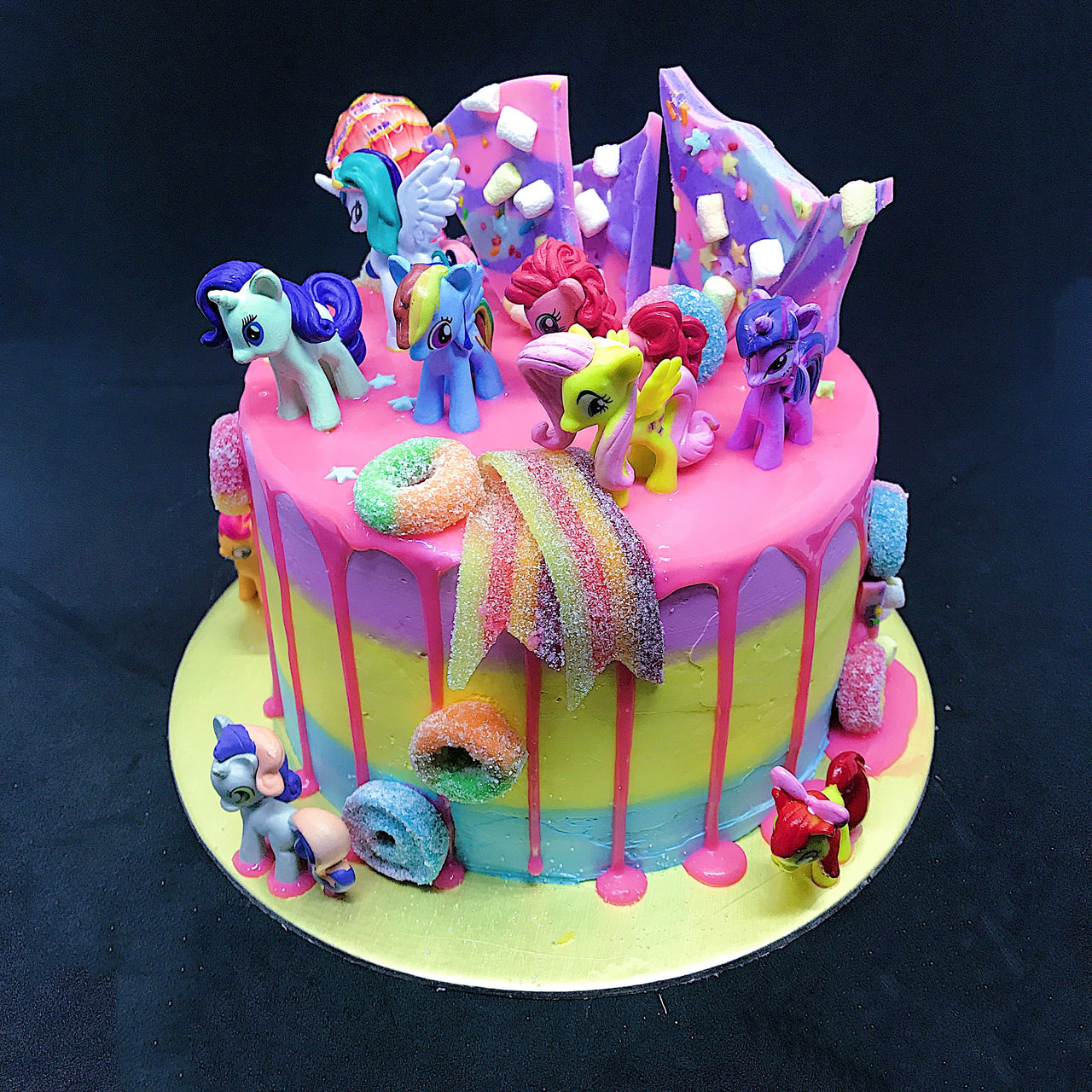 Little Pony drip cake
