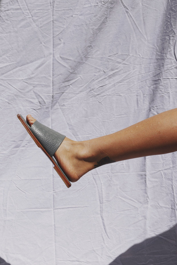 Yoke Flats Dove Grey Croc
