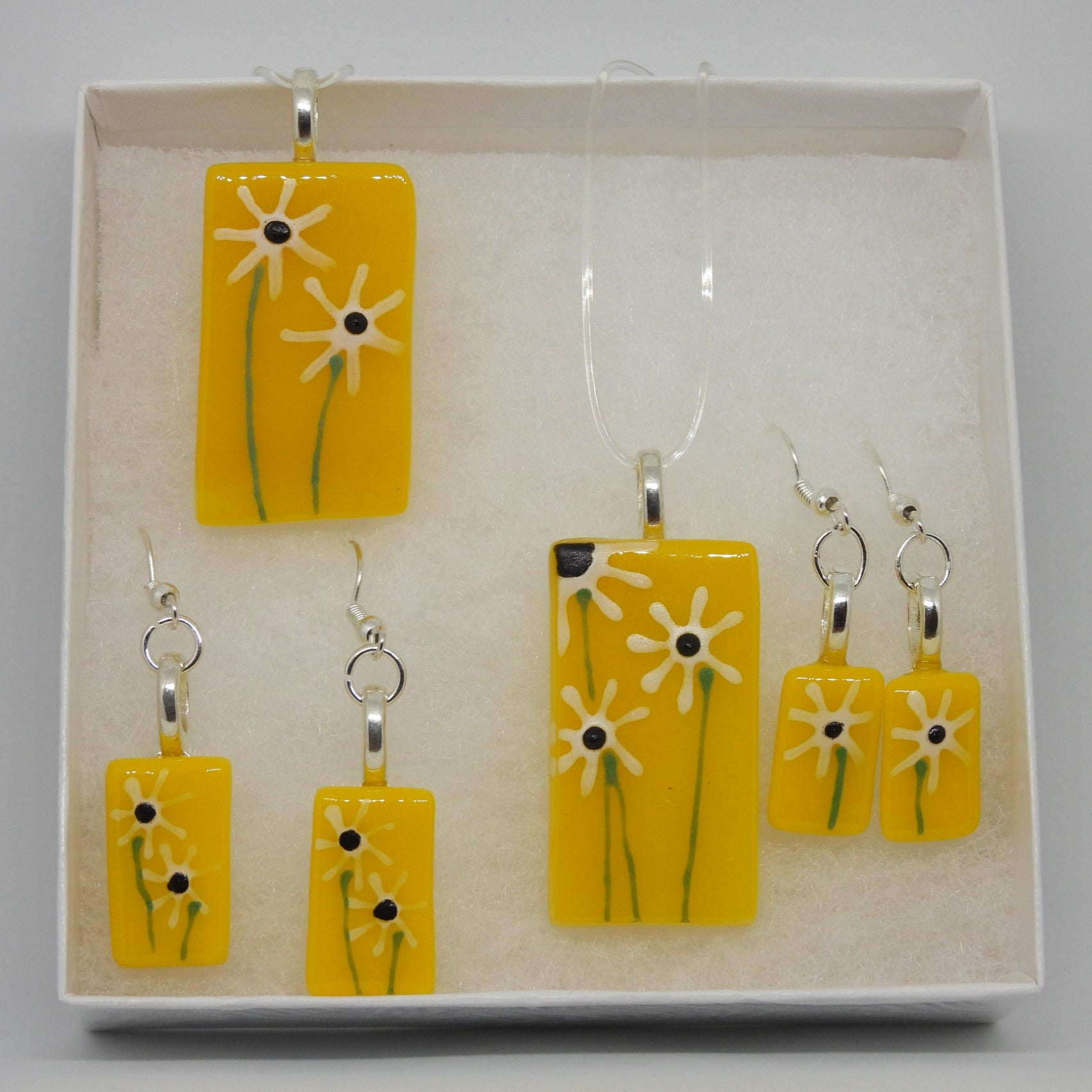Yellow Necklace / Earrings