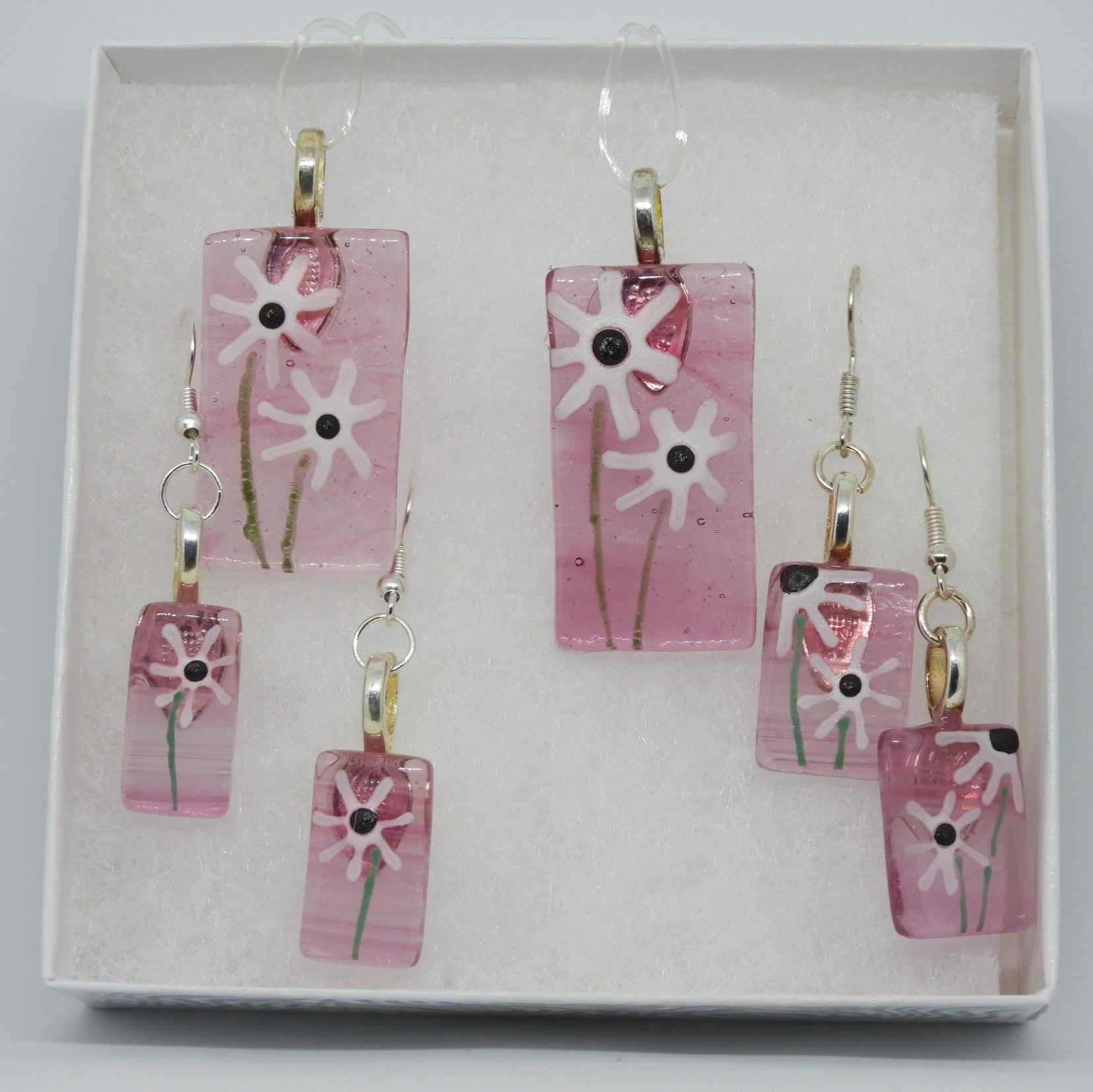 Pale Pink Necklace / Earrings