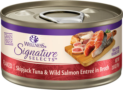 Wellness Signature Selects Flaked Skipjack Tuna with Wild Salmon Entree in Broth