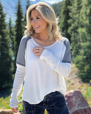 Super Soft Long-Sleeve Waffle Flowy Top (Black/White)