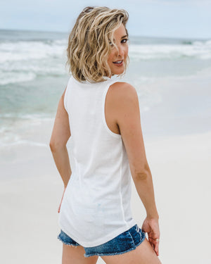 Ribbed White Basic Tank With Buttons