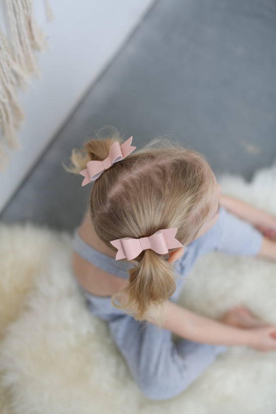 Pigtail Clips