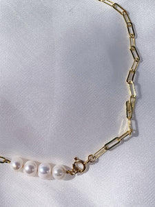 William pearl necklace