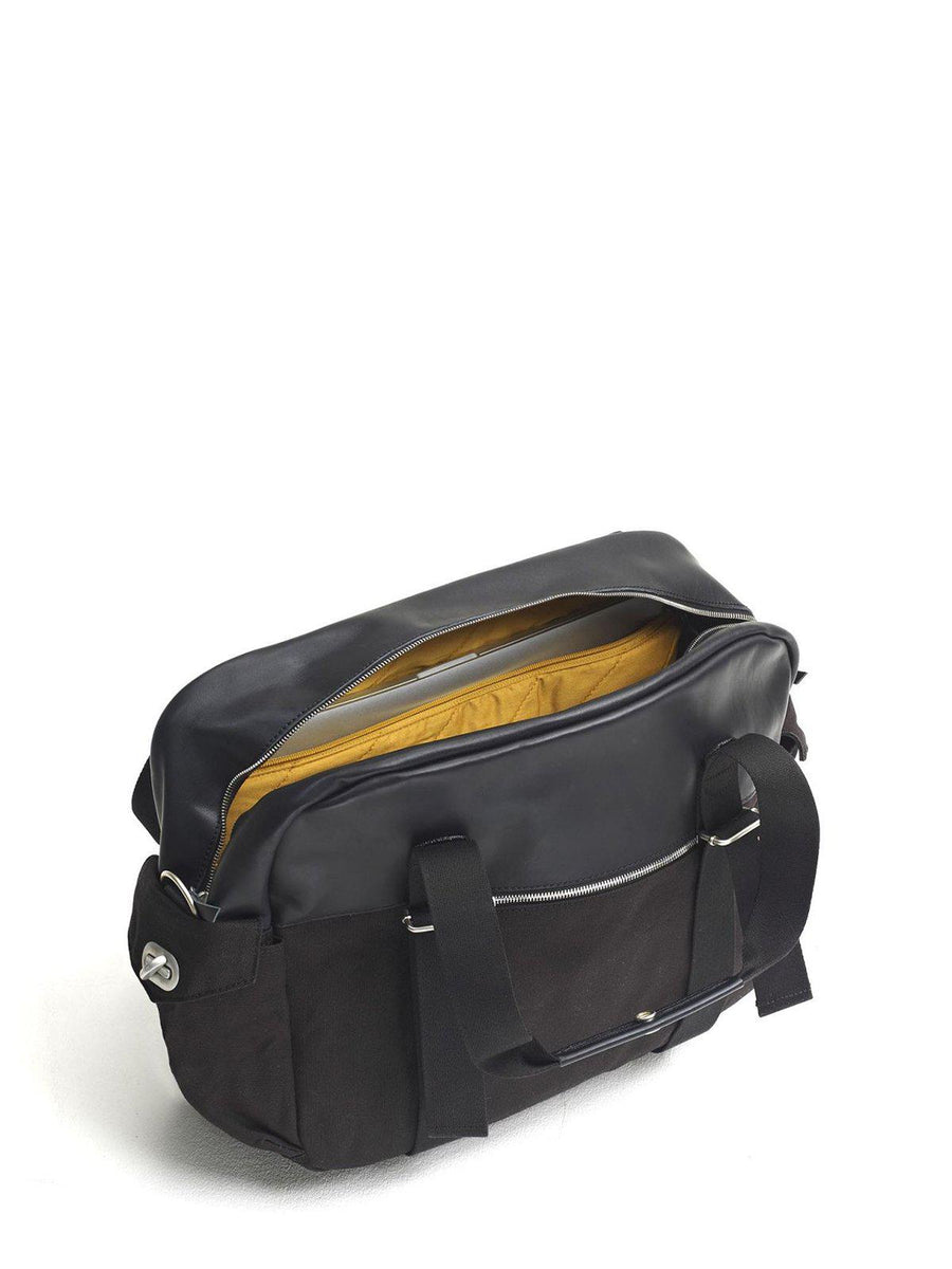 Qwstion Overnighter Black Leather