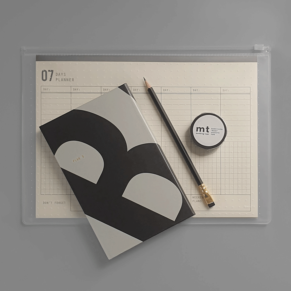 In this Gift Set you'll find:  ▲ Plan A/B Notebook: Black/Gray, Lined and Dot Grid pages/Blank pages  ▲ 07 Days Planner - Weekly Organizer  ▲ Palomino - Blackwing Pencil  ▲ Washi Masking Tape - Black
