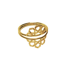 hak the label ibti  ring in gold