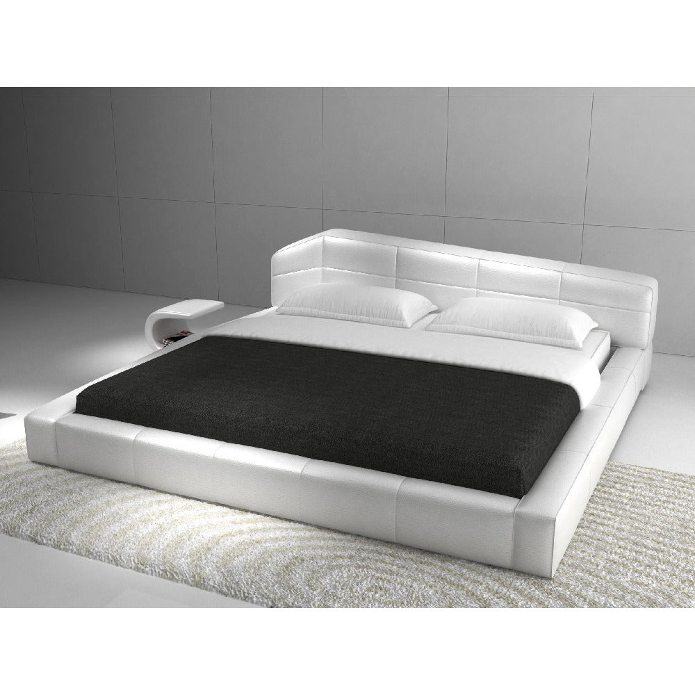 huge selection of 5ccab 157f4 J&M Furniture Dream Upholstered Platform Bed in White Leather