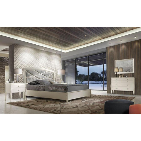 J&M Furniture Valeria Platform Bed in Natural Oak Veneer