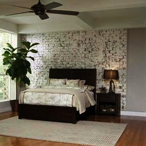 Pulaski Ruff Hewn 2 Piece Platform Bedroom Set in Brown
