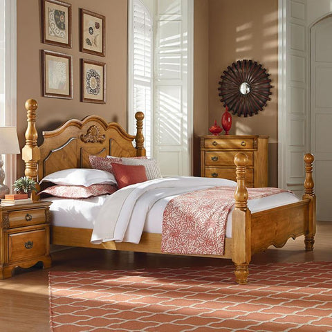 Standard Furniture Georgetown Poster Bed in Mellow Honey Pine