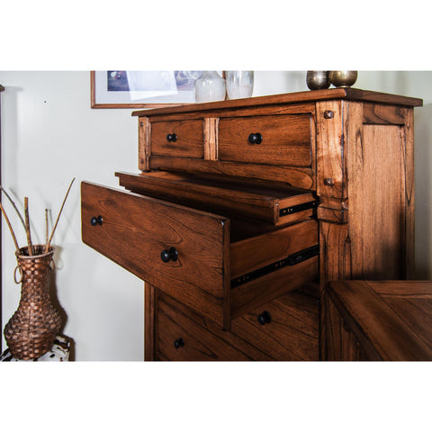 Sunny Designs Sedona Chest In Rustic Oak
