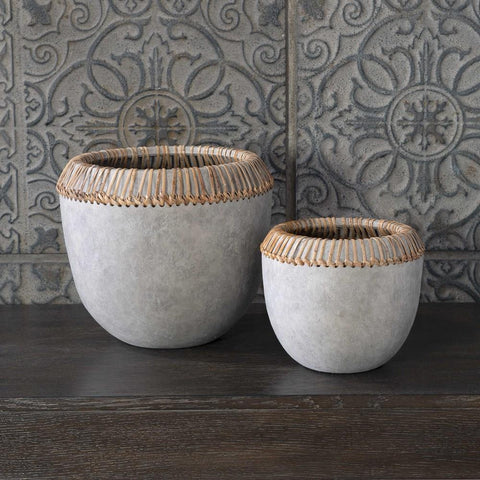 Uttermost Uttermost Aponi Concrete Ray Bowls, Set of 2