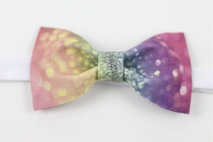 Fantastic lights printed bow tie