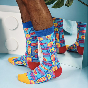 Polka of bulb patterned crew socks