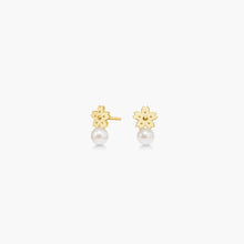 Load image into Gallery viewer, polar jewelry sakura cherry blossom flower earrings pearl gold gift jewellery Polar Jewelry shop affordable fine jewelry gift for women jewellery joyful fun colourful scandinavian danish design shop now free delivery