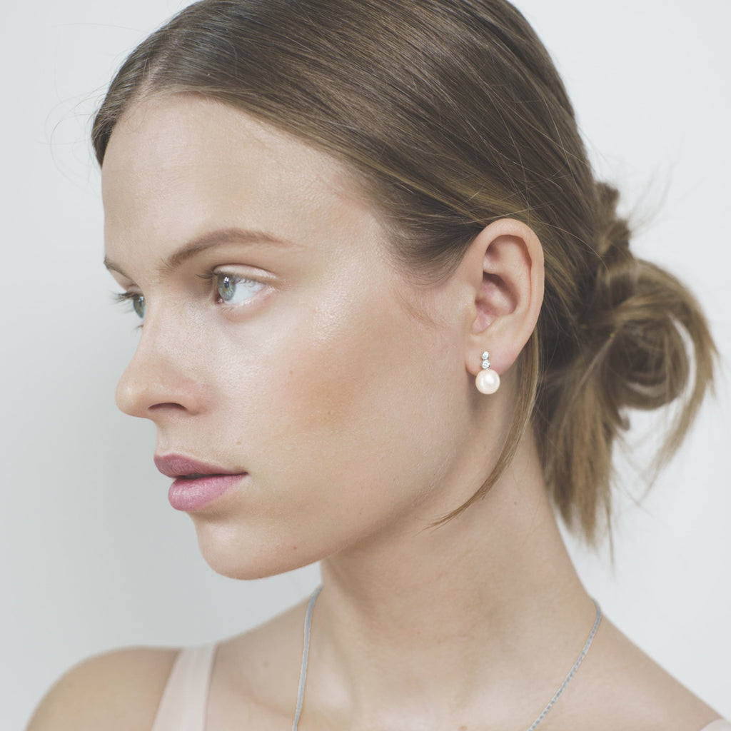 Polar jewelry star ear crawler earring ear climber tarot amethyst white peridot lavender light green collection gift jewellery gold silver mystical love present for women best jewelry brand denmark scandinavian minimal playful diamond necklace bracelet gold chain gemstones jewelers pearl wedding engagement promise charm cz stores pendant moon stars sun organic waves fashion copenhagen