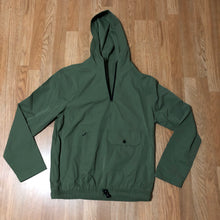 Elwood - Nylon Windbreaker Hoodie - Medium - KICKS 'N' STEEZ
