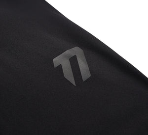 Men's compression legging logo detail