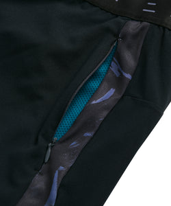 Invisible zip and print detail