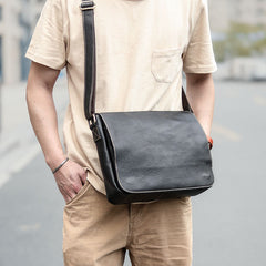 Casual Black Leather Mens 11 inches Courier Bags Messenger Bag Vintage Brown Postman Bags For Men
