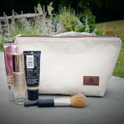 WIPE-CLEAN MAKEUP KIT (choice of color)