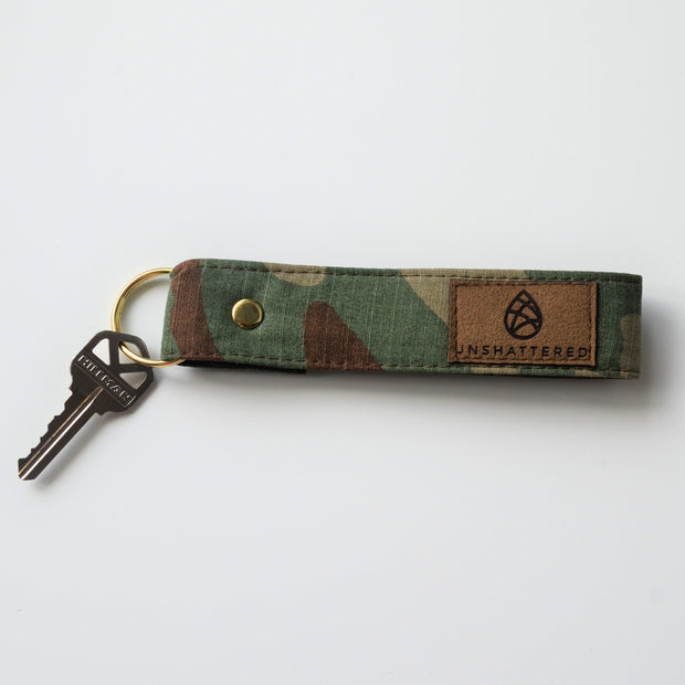 ZACHARY ARMY MAKEUP KIT & KEYCHAIN