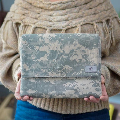 US ARMY UNIFORM CLUTCH