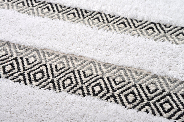 Capri Geometric Design Deep Pile Bath Mat Grey Monochrome