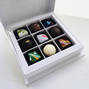 Box of 9 Bonbons including the tea collection
