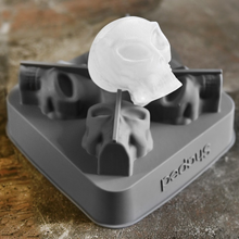 Load image into Gallery viewer, 3D Flexible Silicone Alien-Skull Ice Cube Mold