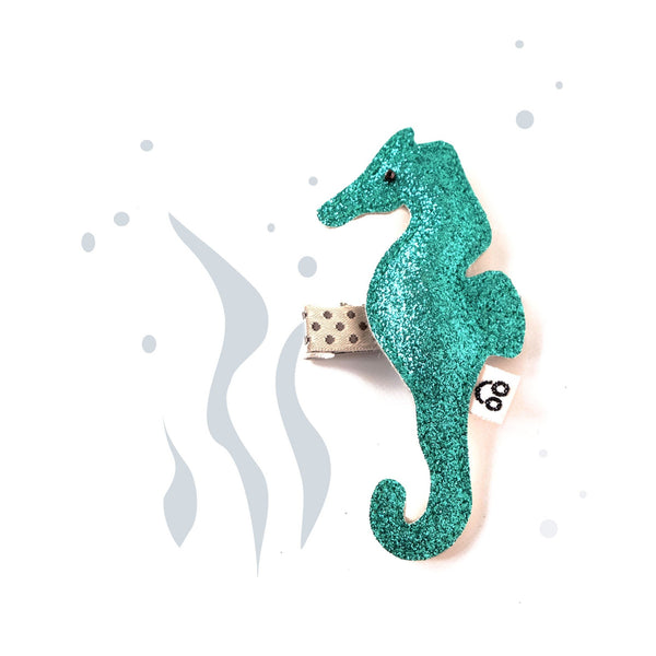 seahorse-hair-clip-in-aqua-with-illustration