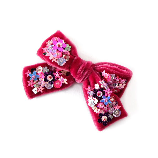 Hair bow with sequin, medium size, in carmine red colored velvet.