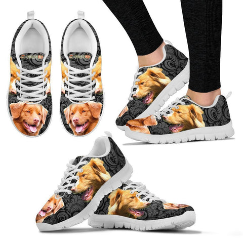 Nova Scotia Duck Tolling Retriever On Black-Women's Running Shoes-Free Shipping