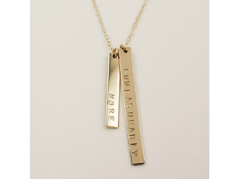Double bar necklace in gold with lettering