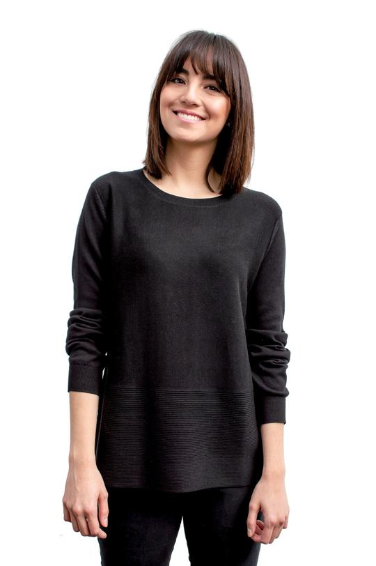 Girl wearing black ribbed Crew neck sweater