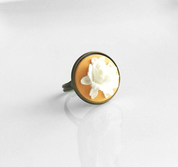 White Rose Ring - large flower in chalk white on soft peach orange - adjustable antique brass / bronze - vintage garden style - size 6 7 8 9