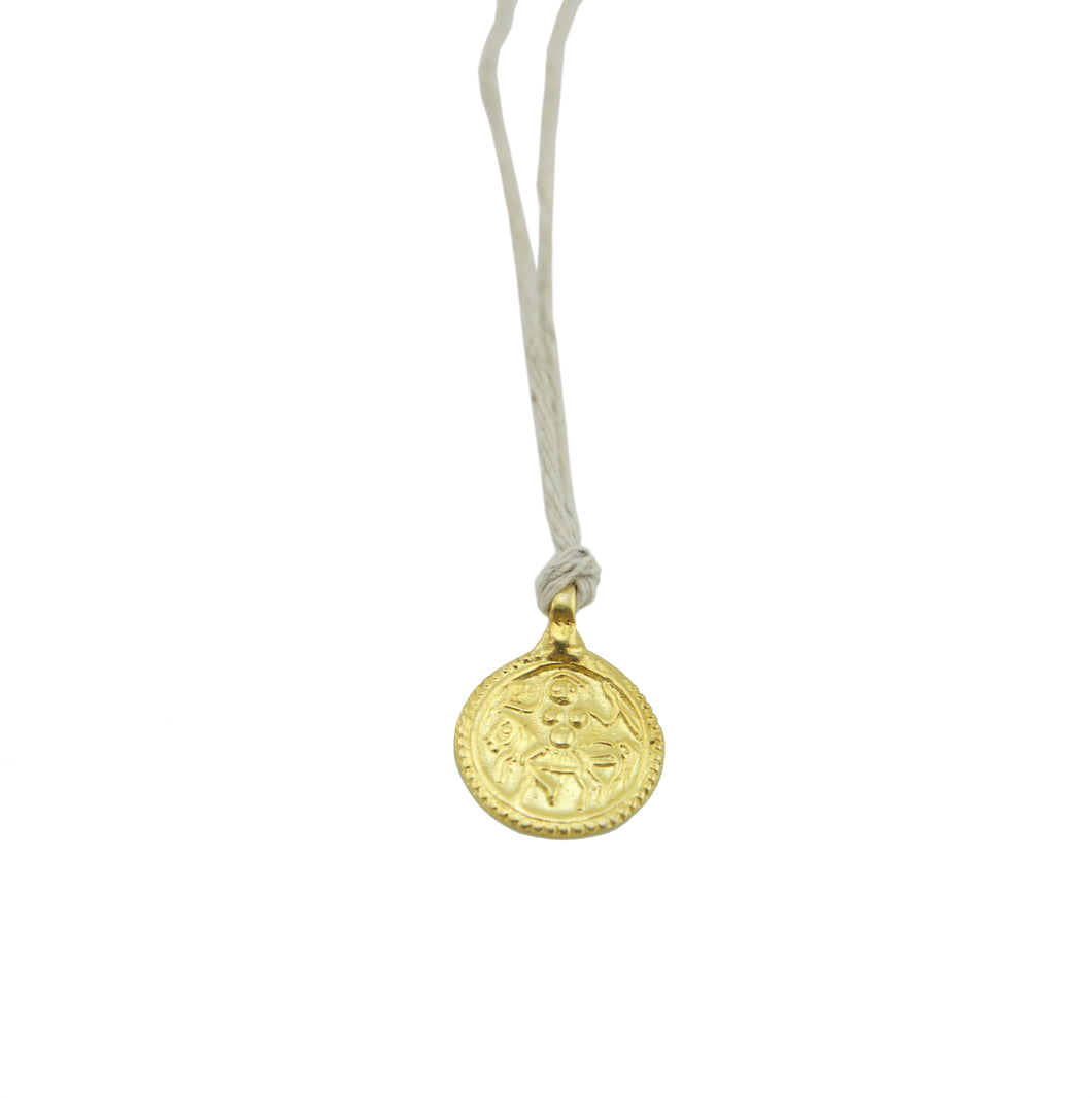 Amulet Round Gold on Natural Hemp