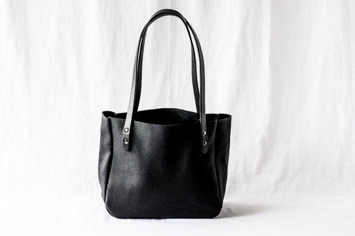 SMALL TOTE Onyx Black • Pebbled Leather Purse