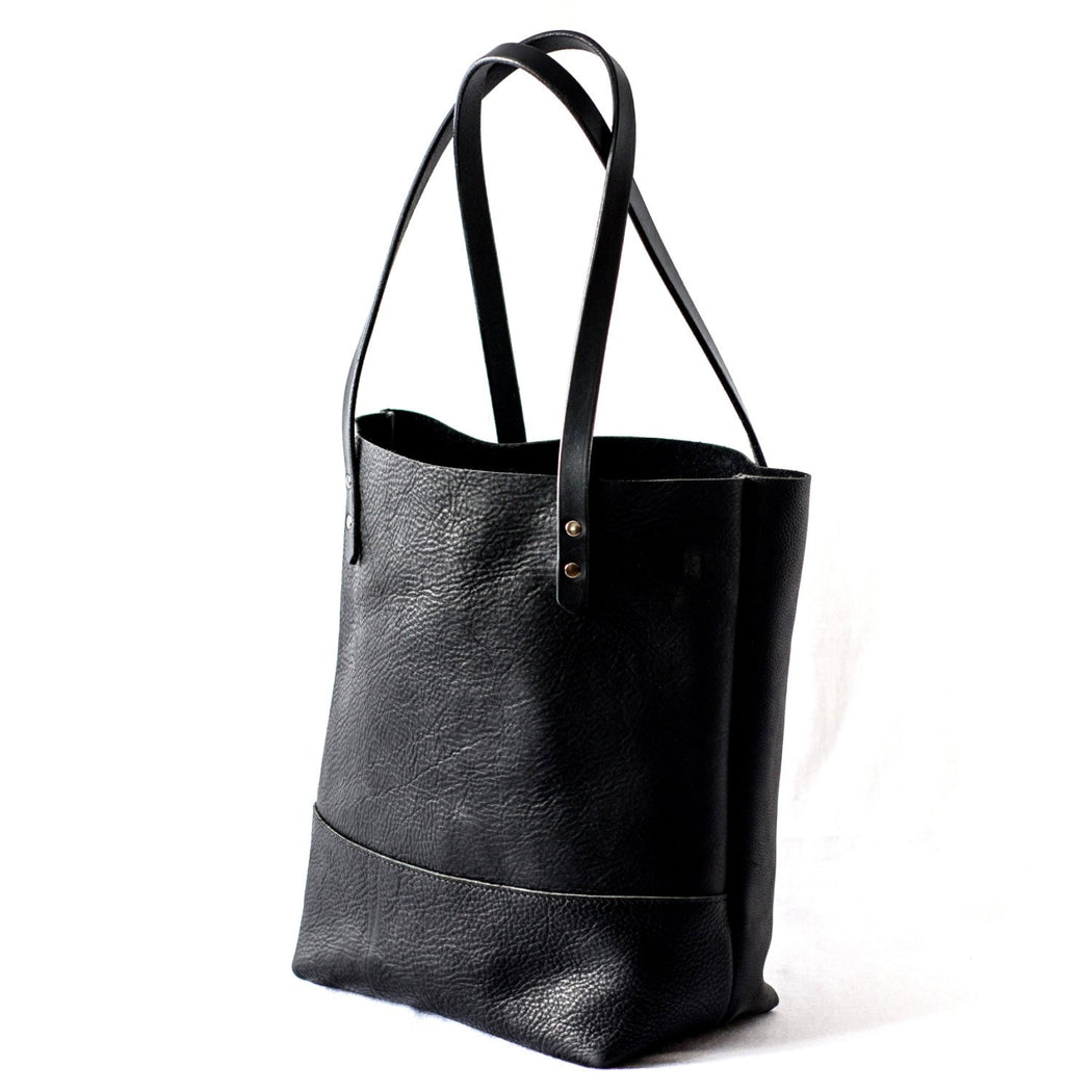 LARGE TOTE Onyx Black • Pebbled Leather Everyday Bag