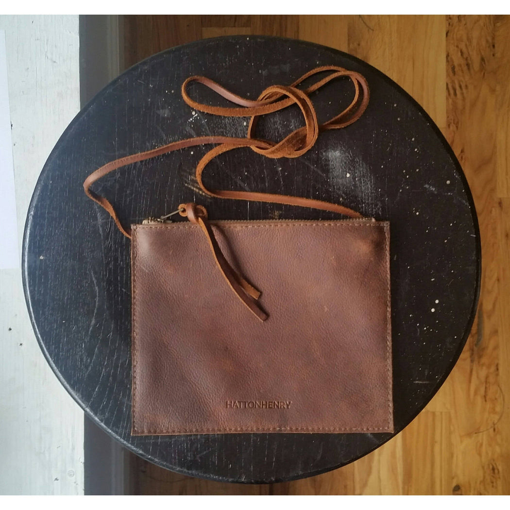 FLAT CROSSBODY Henna Brown • Oil Tanned Leather Bag