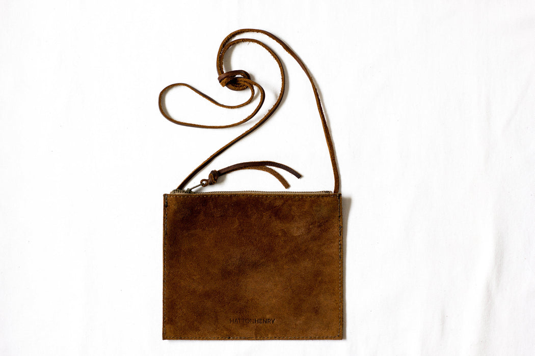 FLAT CROSSBODY Rust Brown • Oil Tanned Leather Bag