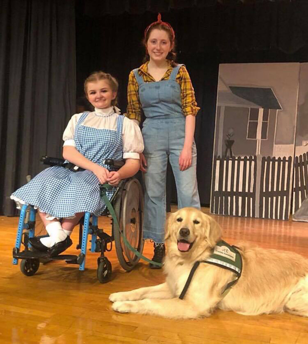 Service Dog Takes The Stage as Toto in High School Production of 'The Wizard of Oz'