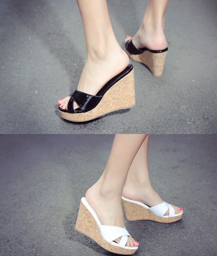 a56ca1e9415 Womens Small Feet Patent Wedge Sandals Beckie