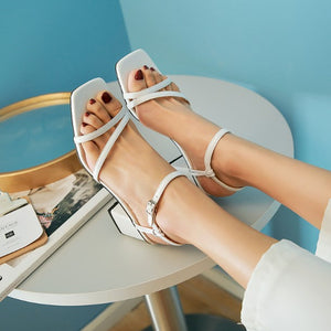 Small Block Heel Strappy Shoes BS271