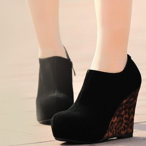Small Size Wedge High Heel Shoes DS200
