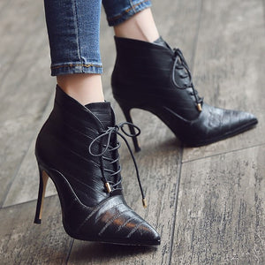 Small Size Pointed Lace Up Boots AP96